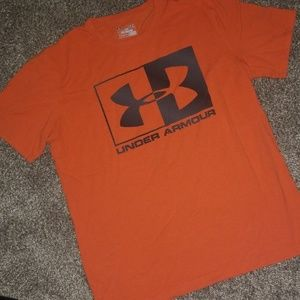 Mens Under Armour tshirt size medium